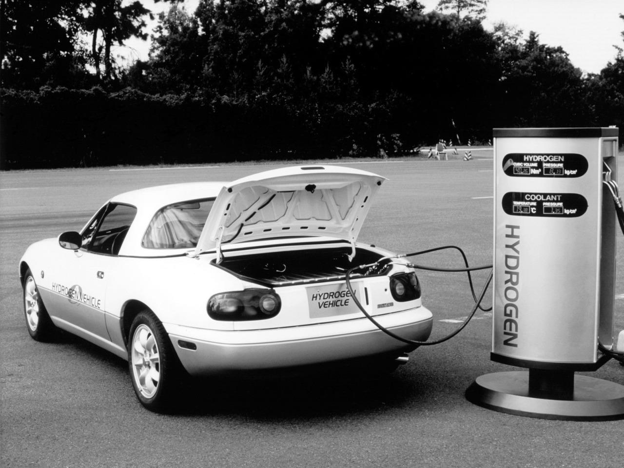 Zabudnutá história: Keď Mazda MX-5 jazdila na vodík