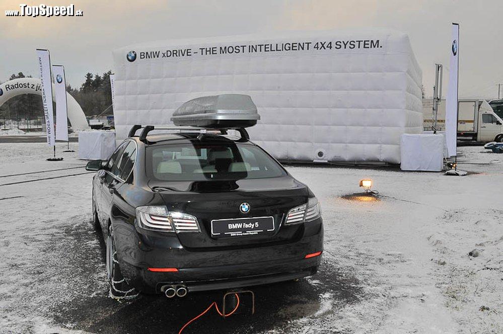 BMW radu 5 v plnej zimnej výzbroji