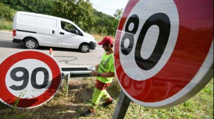 FRANCÚZI SA PRE NEPOKOJE PREDČASNE VRACAJÚ K PÔVODNEJ MAX. POVOLENEJ RÝCHLOSTI 90 KM/H