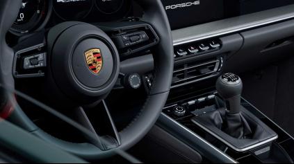 Porsche 911 dostane manuálnu prevodovku. Zadarmo uberie 38 kg