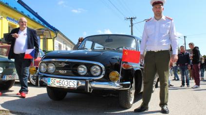 Stretnutie retro vozidiel v Dojči malo pekné počasie