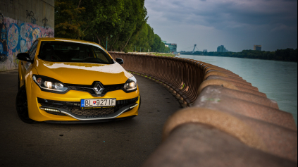 TEST RENAULT MÉGANE RS 275 TROPHY