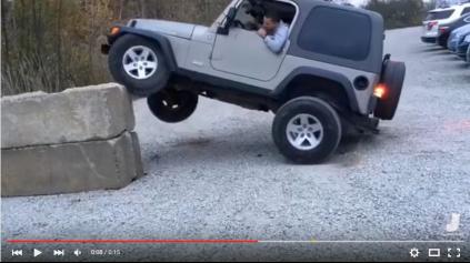 Jeep Wrangler schopnosťami dokáže prekvapiť nielen diváka :)