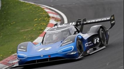 Volkswagen ID.R je najrýchlejší elektromobil na Nürburgringu