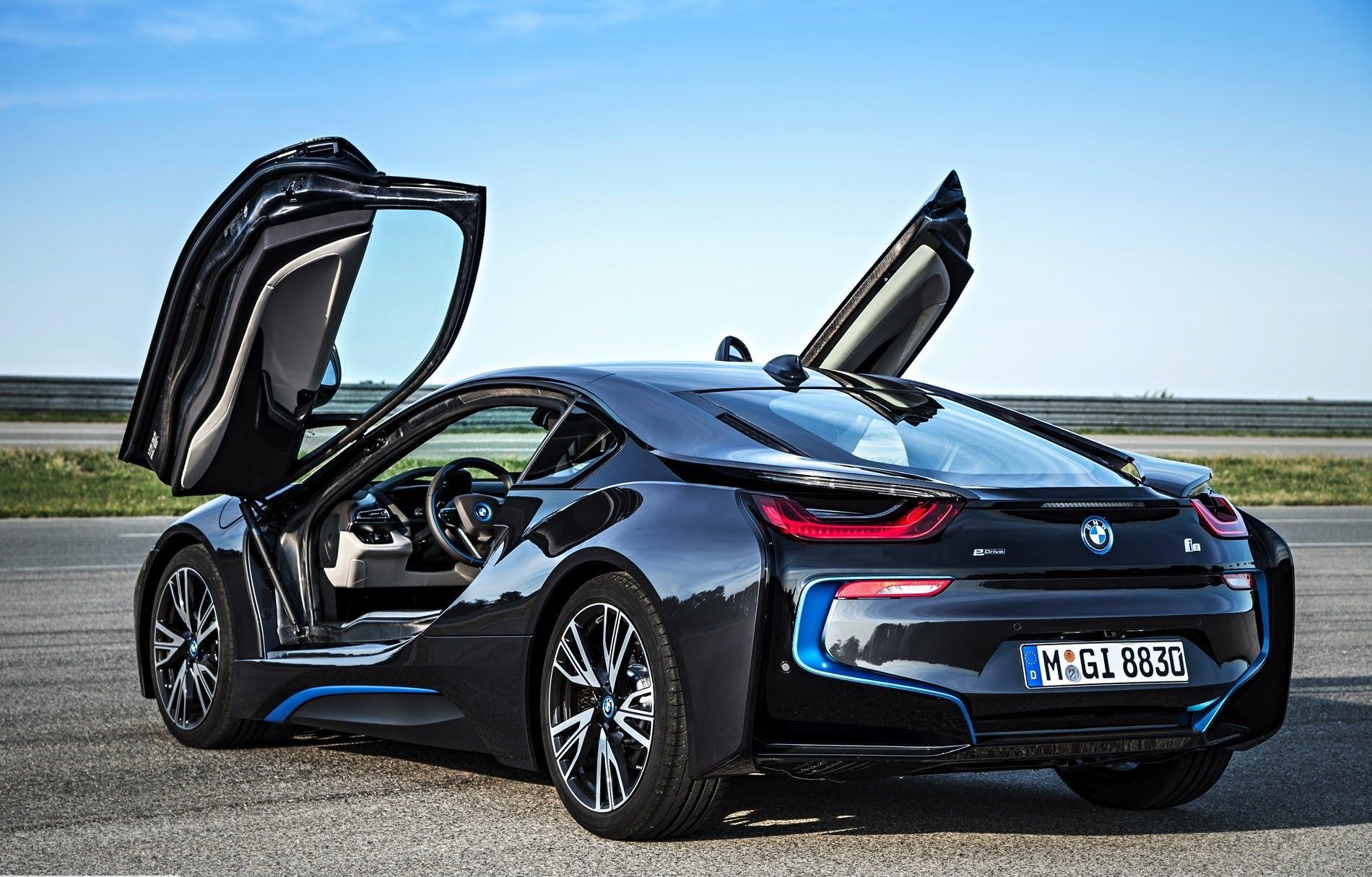zelene auto roka 2015 je BMW i8