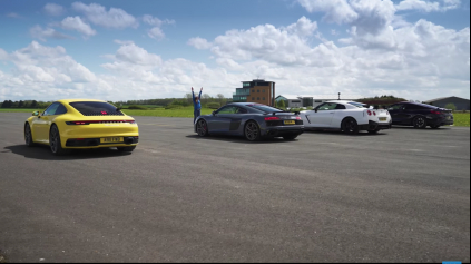 Šprint Porsche 911 992 a GT-R Nismo a Audi R8 a BMW M850i