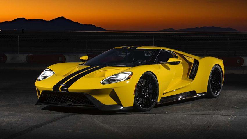 Top 10 najrýchlejších produkčných áut roka 2019