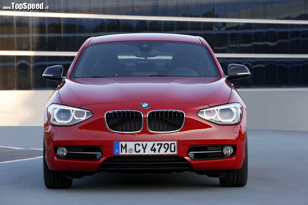 Tvarom a výrazom je to nepochybne BMW 1