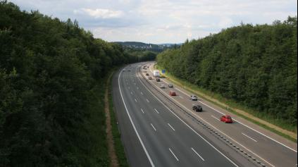 Nemecké diaľničné známky prídu a za neekologické auto si priplatíte