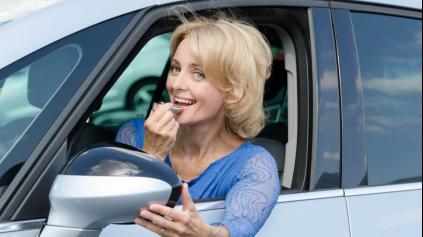 ŽENY V STREDNOM VEKU PREFERUJÚ SILNEJŠIE MOTORY VIAC AKO MLADŠIE