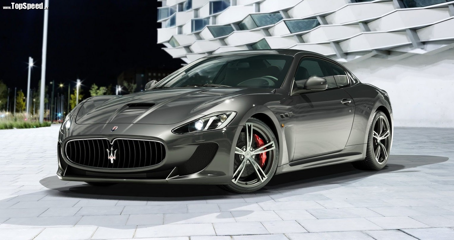 Vpredu Maserati pridalo novú karbónovú kapotu. Možno kvôli hmotnosti.