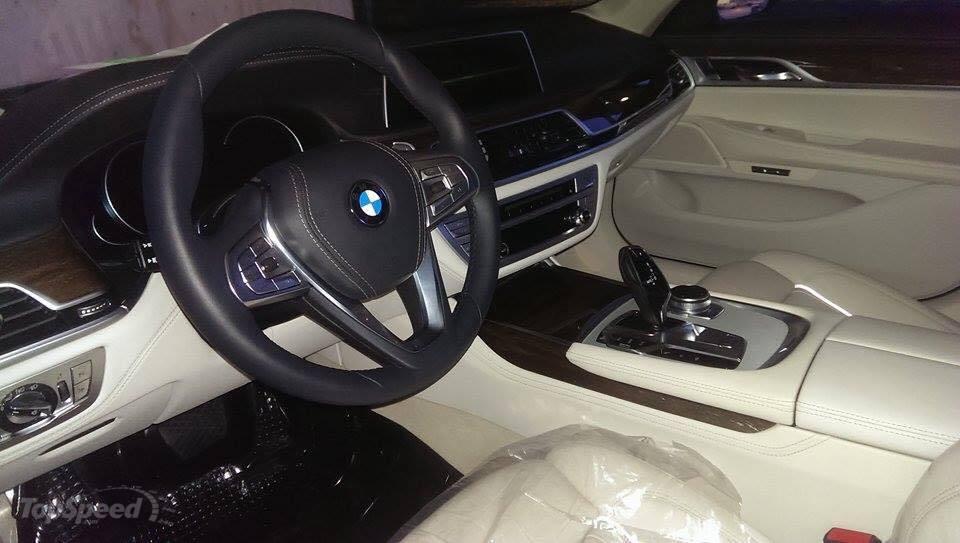 2016 interier BMW radu 7 G11
