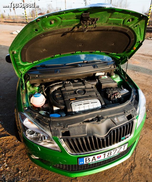 Pod kapotou je to naj, čo by ste si tu mohli želať. Motor roka 2010 - 1.4 TFSI s kompresorom a turbom