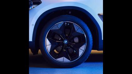 Nové dizajnové kolesá pre lepšiu spotrebu elektrických BMW
