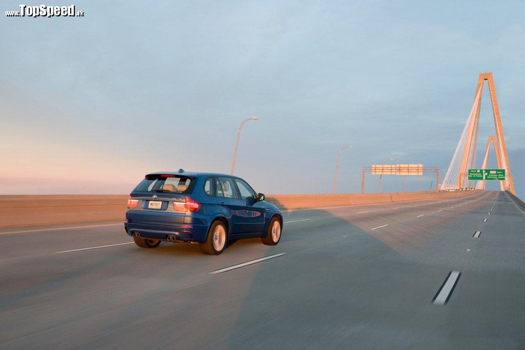 BMW X5 M treba chovať s rešpektom. Nie je zákerné, ale rýchle a veľmi veľmi ťažké