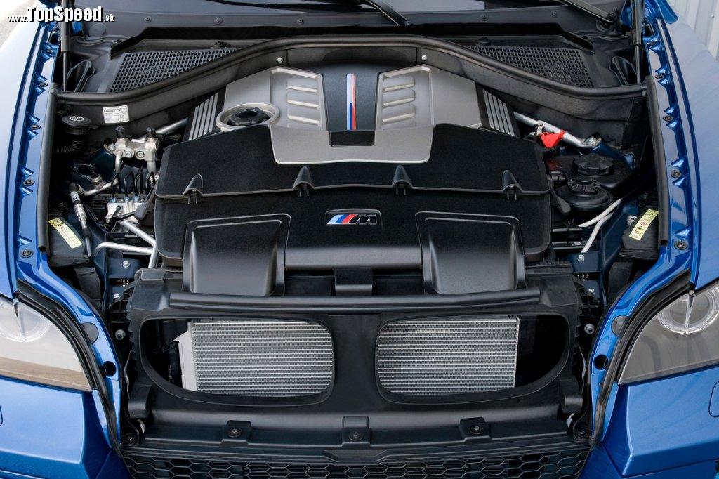 4,4 l priamovstrekový turbom prepĺňaný V8 s výkonom 407 kW (555 k) a 680 Nm