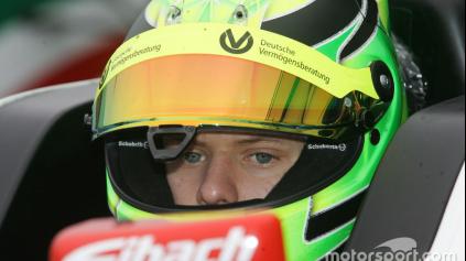 Schumiho syn vyhral hneď prvé preteky v talianskej F4