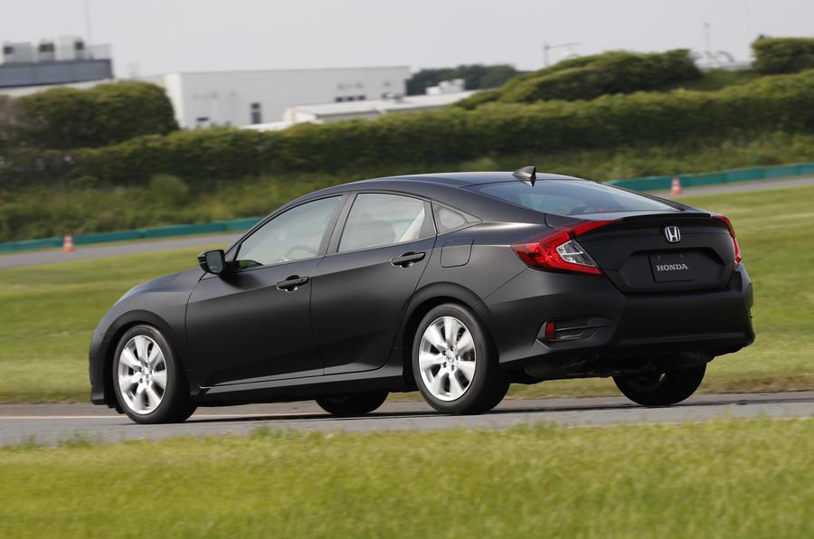 Honda Civic 10.G zameraná viac na vodiča