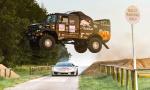 Goodwood zažil šialené preteky medzi púštnym Kamazom a driftovacím Lamborghini