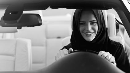 ŽENY V SAUDSKEJ ARÁBII BUDÚ MÔCŤ O MESIAC ŠOFÉROVAŤ afb6f58f07f