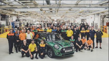 Mini oslava vo fabrike je vlastne maxi. Vyrobili už 10 miliónov áut