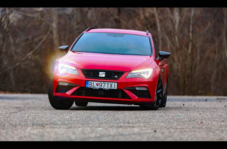 TEST SEAT LEON ST BLACK LIMITED 1.5 TSI: ĽAHKÝ JOGGING