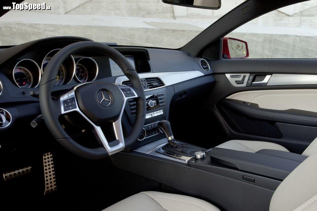 Interiér nového Mercedes C kupé