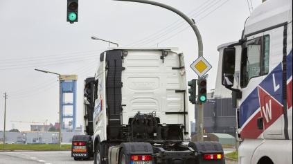 Inteligentné semafory pomáhajú šetriť palivo