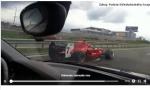 Po českej diaľnici jazdila formula. Polícia pátra po jej vodičovi