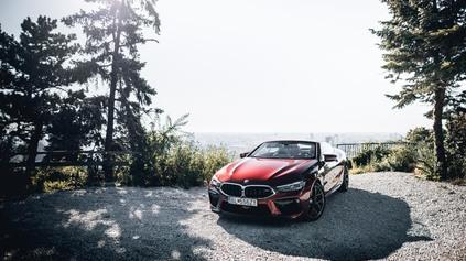TEST BMW M8 CABRIO: ZBYTOČNE DOBRÉ ALEBO DOBRE ZBYTOČNÉ?
