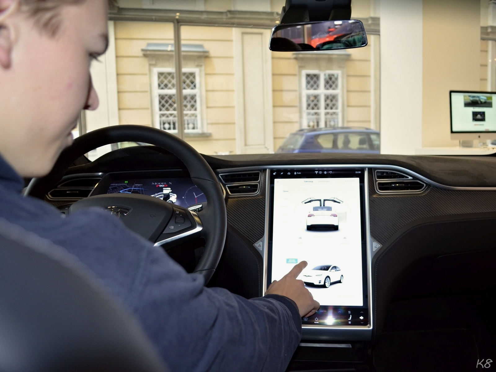 Tesla Model X Touchscreen