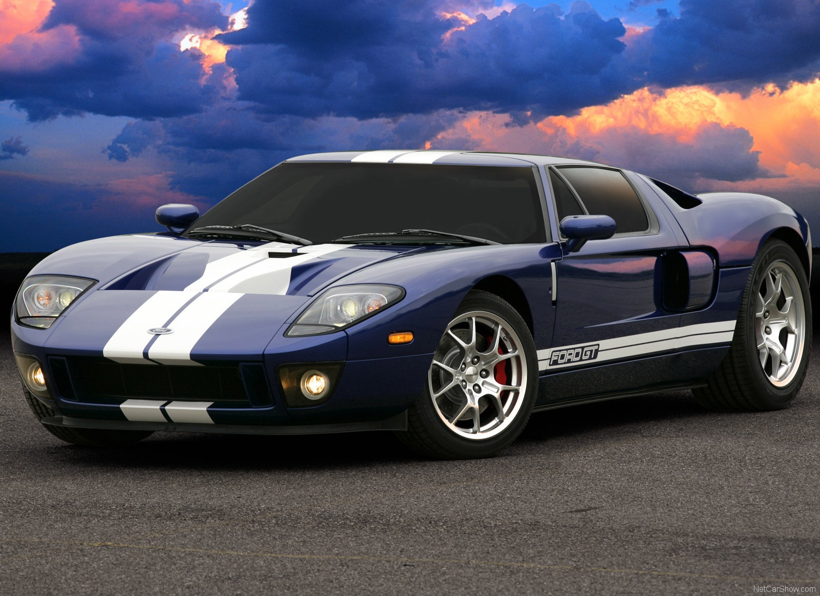 2005 Ford GT supercar