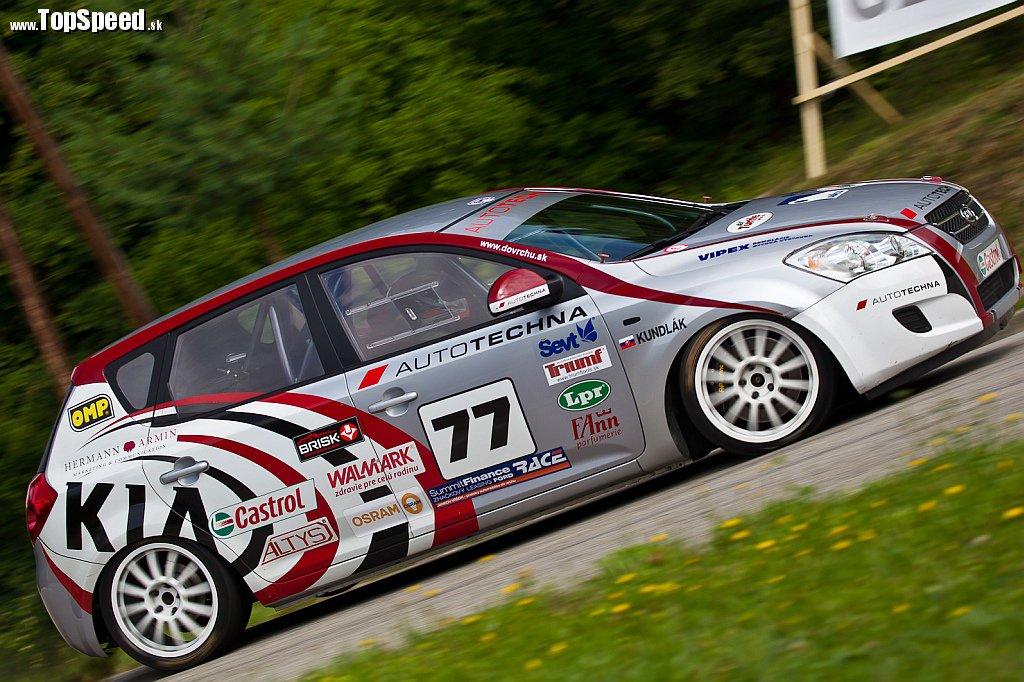 Vďaka víťazstvu v Autotechna Racing Talent medzi 160 záujemcami v minuloročnej sezóne jazdil na Kia Ceed Diesel v E1-2000.