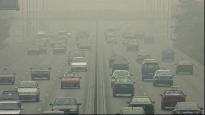 Taliani hlásia poplach, Rím zakázal naftové autá, Miláno grilovanie