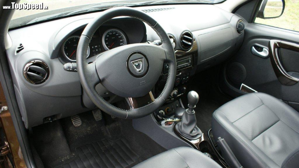 Dacia Duster a jej lacno pôsobiaci interiér
