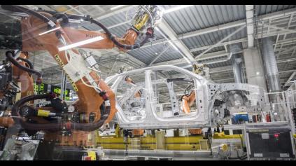 Prečo má slovenský automobilový priemysel zatiahnutú ručnú brzdu?