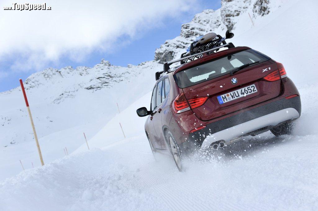 BMW X1 28i ponúka slušné dynamické zvezenie