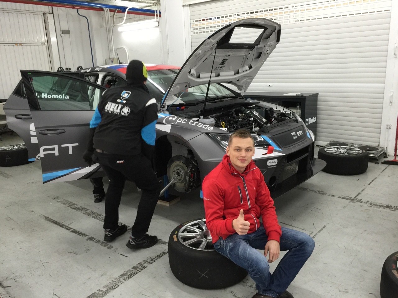 Maťo Homola testoval nový Seat Leon Cup Racer TCR