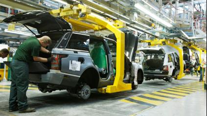 SLOVENSKO JE STÁLE V HRE O VEĽKÚ AUTOMOBILOVÚ INVESTÍCIU