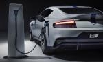 Súčasná elektromobilita viac škodí ako prospieva, tvrdí šéf Aston Martinu