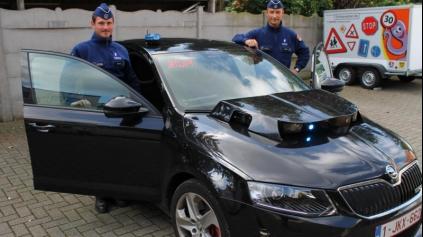 Belgický policajný KITT budí pozornosť. Má naša polícia podobné auto?