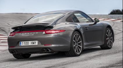 Ďalšia generácia Porsche 911 bude širšia a bez štvorvalcov