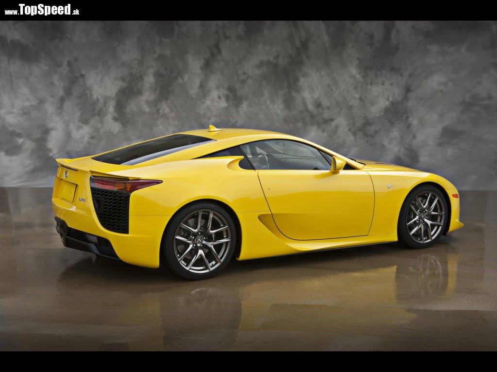 Lexus LFA pre najznámejšiu blondínku sveta