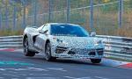 Corvette s motorom v strede lieta po Nürburgringu