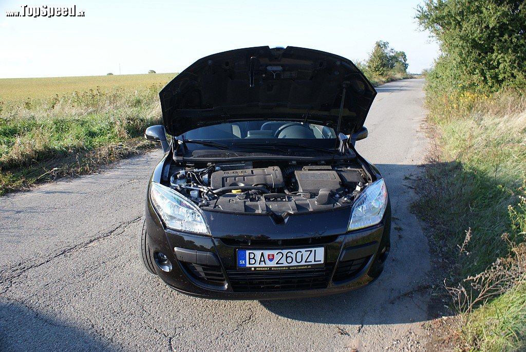 Motor 1,4 TCe je na bežné vozenie plne postačujúci. Až ľahko zabudnete, že má objem len 1397 ccm!