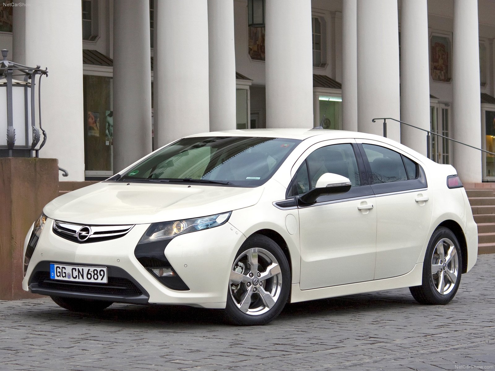 Opel Ampera sa na Slovensku oficiálne nepredáva