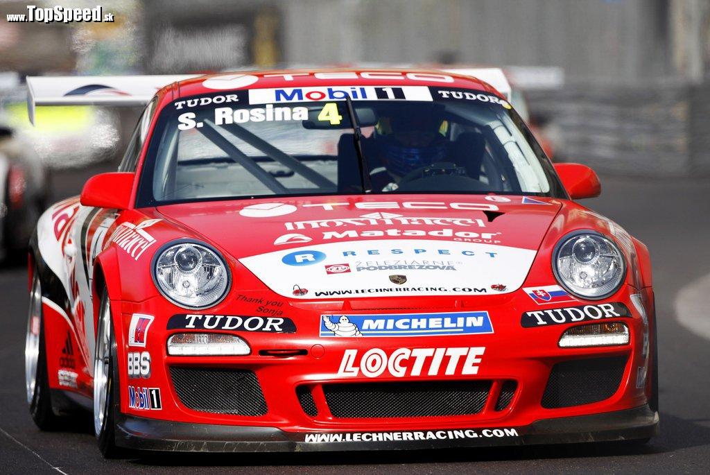 Štefan Rosina túto sezónu jazdí na krásnom a ostrom Porsche 911 GT3 RSR, na Cene Slovenska však po prvýkrát vyskúša Mercedes CLK DTM