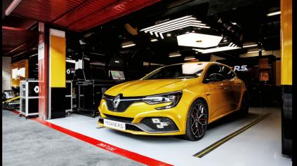 Renault Megane RS Trophy je pripravený bojovať s Civic Type R