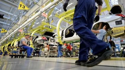 Šok, výroba áut v Nemecku klesla na úroveň z roku 1996. Bieda začína