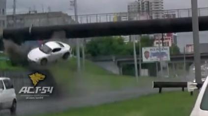 Porsche Cayman S sa s mokrou cestou moc nekamaráti